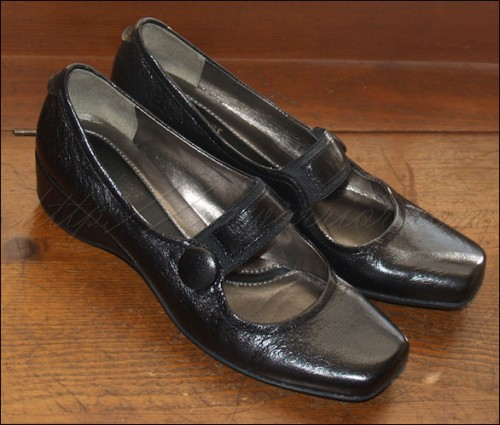 Black Naturalizer shoes